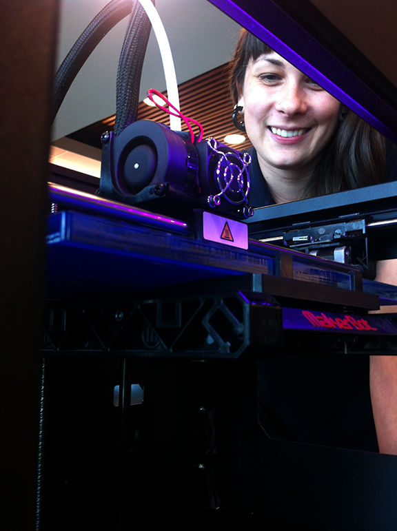 Image of Makerbot Replicator 2 3D printer.