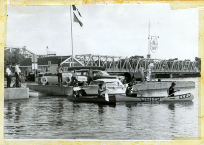 Scouts leaving the marina at Trenton.